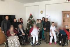 Rsa_Mottafollone_festa_di_Natale_foto_di_gruppo